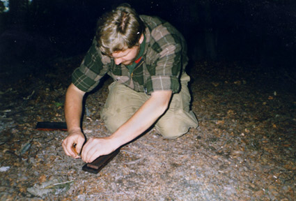 Ray Mears knife sharpening