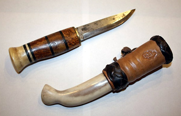 Hywel Evans' knife and sheath
