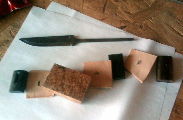 Jonathan Aballi's Julius Pettersson Knife #1