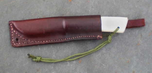 The finished knife, complete with leather sheath