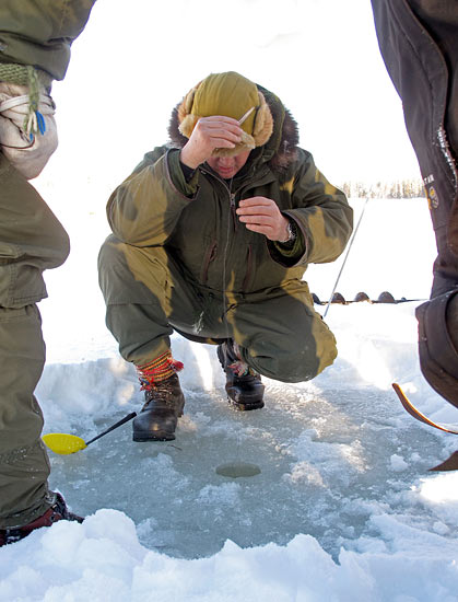 Ray Mears, ice fishing on the frozen river