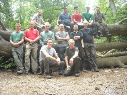 The group at the end of the Fundamental Bushcraft course