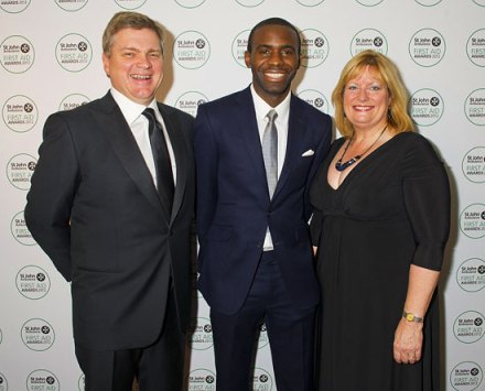 Ray with Fabrice Muamba and Beth Chesney-Evans (mother of Guy Evans whom the Guy Evans award is named in honour of after Guy lost his life in 2008)