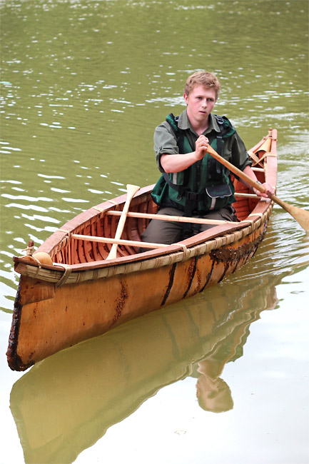 Birch Bark Canoe Building with Ray Mears and Pinock Smith – Day 7 (Part 2)