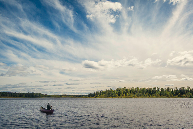Ray-Mears-Paddling