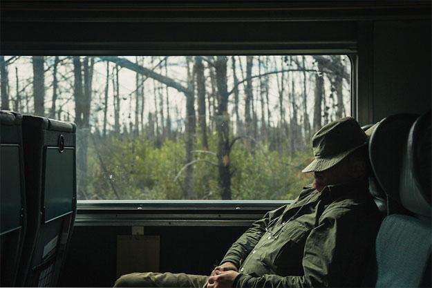 Ray-Mears-Train-Sleeping