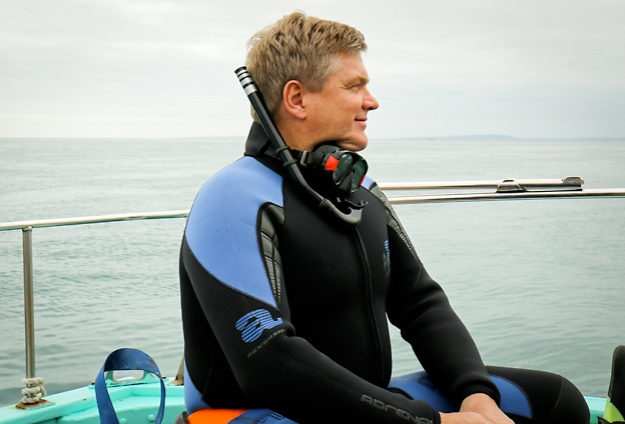 Ray Mears - Great Barrier Reef